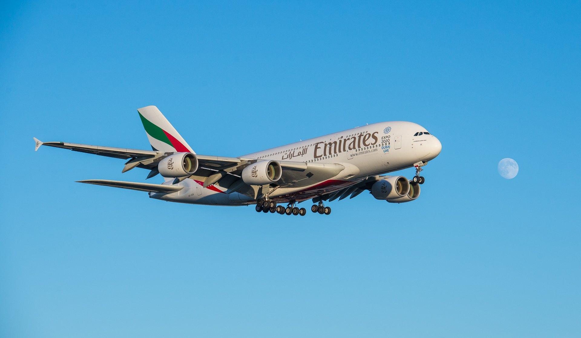 Emirates EK A380