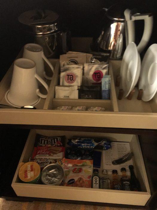 咖啡……本君也是不喝的,下面應該是各種烈酒