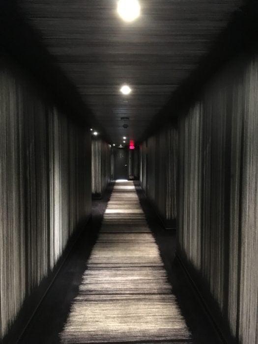 走廊风格和World Tower的房间如出一辙